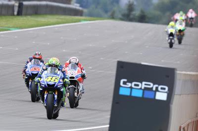 Bos Suzuki: Kontrak Baru Rossi Sampai 2020