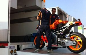 Sibuknya MotoGP Keliling Dunia dengan Berat 360 Ton