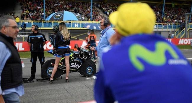 Bos Yamaha: Usia Rossi Baru 22 Tahun