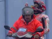 Kecelakaan Warm Up, Marquez Disoraki Fans Rossi