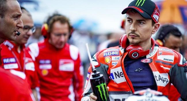 Rossi Tolak Jabat Tangan Marquez, Lorenzo: Dua-duanya Salah
