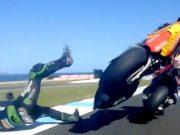 Video: Detik-detik Zarco Hantam Marquez di GP Australia