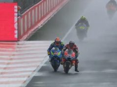 Dovi Menangi MotoGP Valencia, Rossi Jatuh