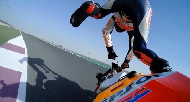 Kecelakaan di Qatar, Lorenzo Patah Tulang Rusuk