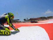 Kecelakaan Beruntun Catalunya, Rossi Cedera Pergelangan Kaki
