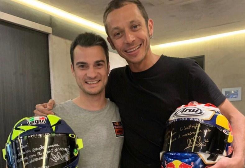 Pedrosa-Rossi Tukar Helm Setelah Tes Barcelona