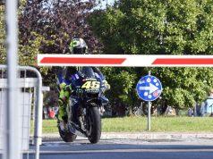 Penasaran Berapa Top Speed Rossi di Jalan Raya?