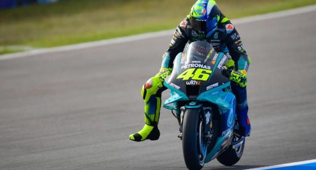 Lorenzo Serang Rossi: Lambat dan Gaya Balap Berantakan